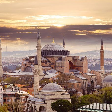 6 Compelling Reasons Why Istanbul Should Be Your Next Vacation Destination