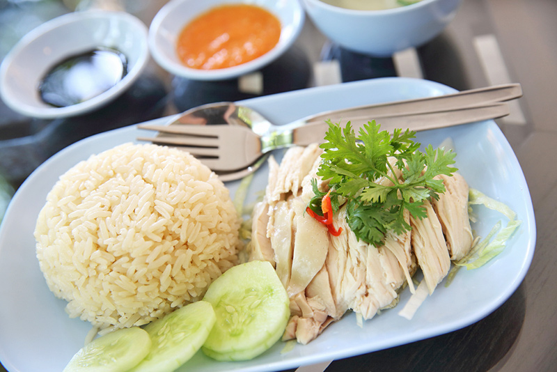 10 Must-visit Cities for the Foodie Traveller - Singapore Hawker Food- Hainanese Chicken Rice
