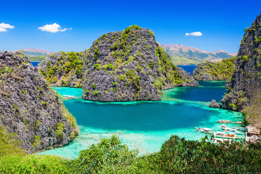 20 Surreal Places to Add to your Must-visit List - El Nido, Philippines
