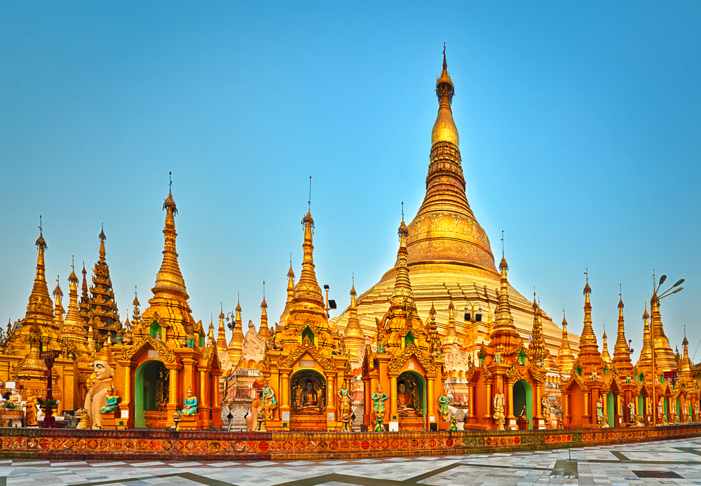 19 of the Most Noteworthy Temples to Visit in Southeast Asia - Shwedagon Pagoda, Myanmar