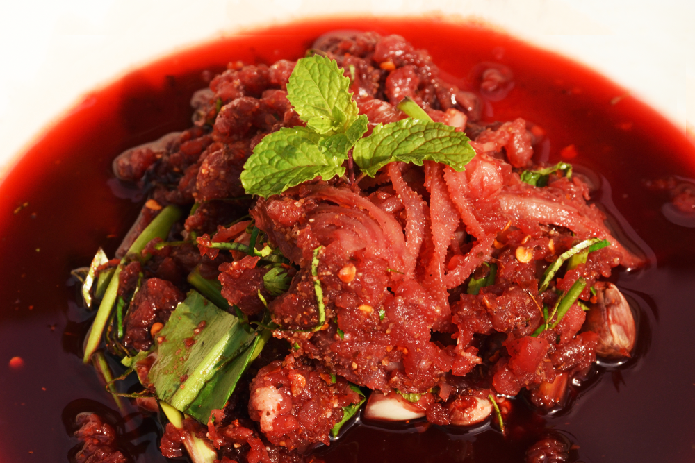 15 Weird Delicacies from Around the World that Will Surely Gross You Out - Laab luad
