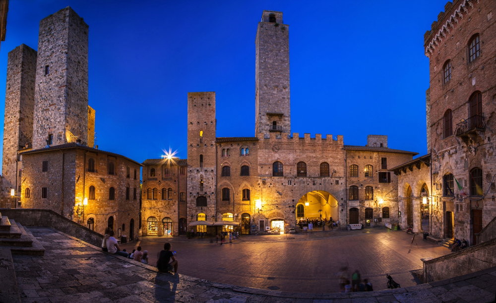 16 Awesome Travel Destinations to Visit in Italy - San Gimignano