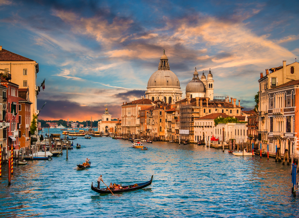 16 Awesome Travel Destinations to Visit in Italy - Venice Grand Canal
