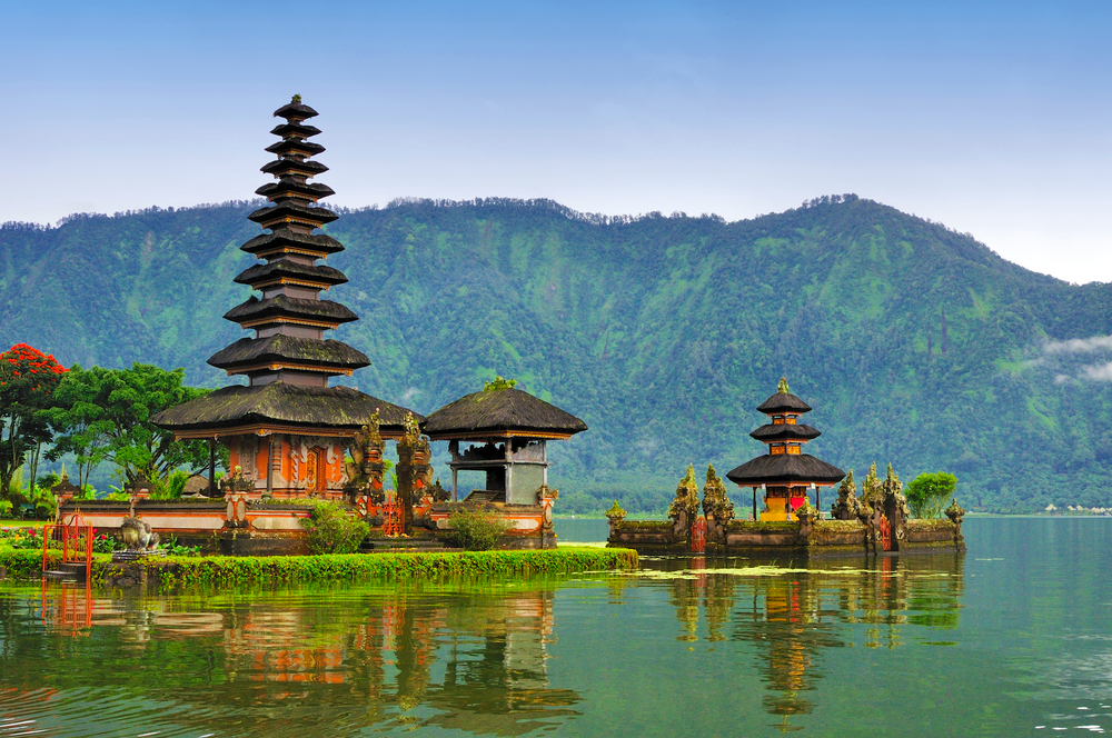 City Guide - Bali in 5 Days - Bali Itinerary - Lake Temple