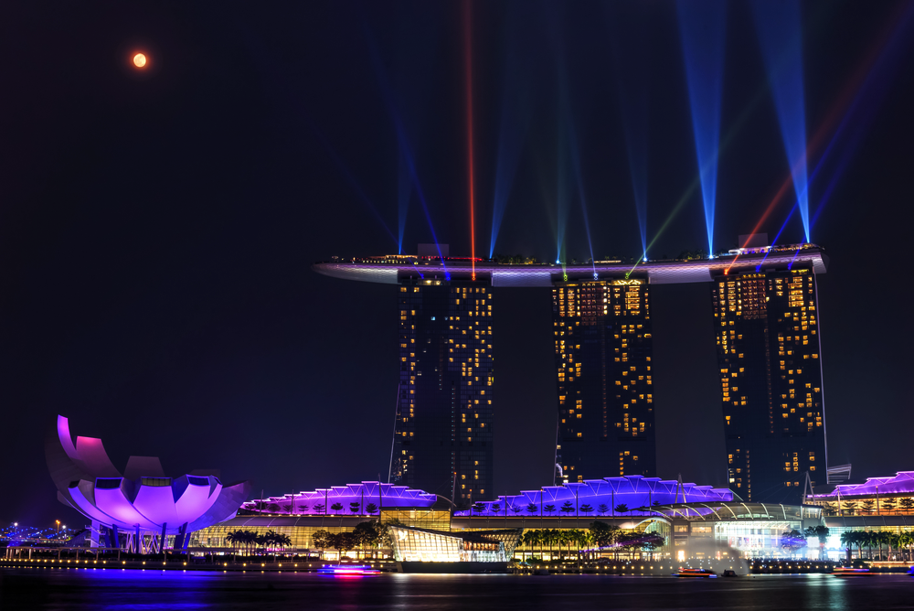 City Guide - The Best of Singapore in 3 Days - Marina Bay Sands Light and Water Show