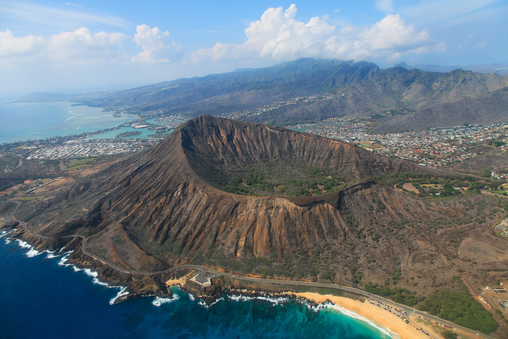 How to Spend 8 Amazing Days in Hawaii - Hawaii Itinerary - Oahu Diamond Head Crater