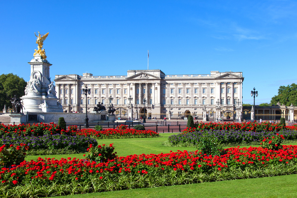 City Guide - An Ideal Itinerary for First-time Visitors to London - London Buckingham Palace