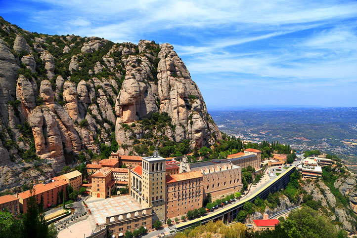 City Guide - How to Spend the Perfect 4 Days in Barcelona 0- Montserrat