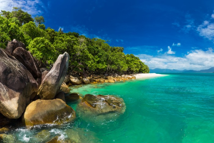 A sunny day in the clean beach of Cairn's Fitzroy Island