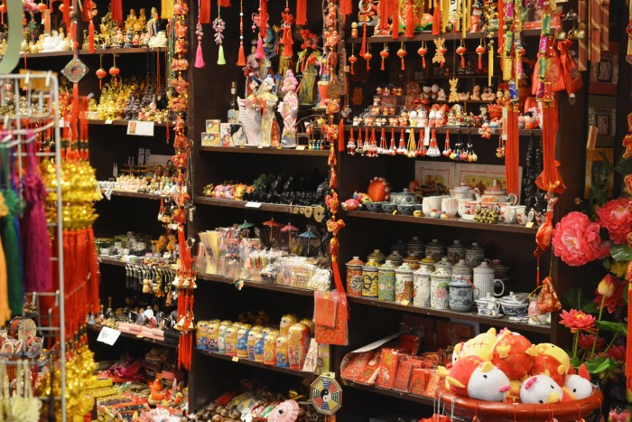 Kuala Lumpur: trinkets being sold in the market